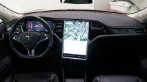 Tesla Model S 70D Cockpit
