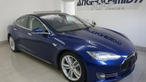 Tesla Model S 90D - Außenansicht RV