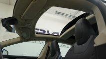 Tesla Model S 90D - Innenansicht Panoramadach